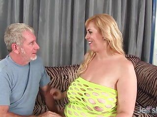 Large titty plumper amazon darjeeling acquires her chocolate hole screwed