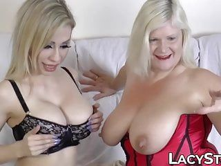 Plump gilf screwed with giant sex toy by breasty dyke playgirl