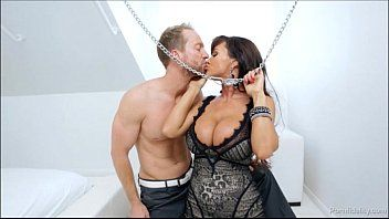 What would u do with lisa ann in chains